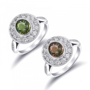 Beautiful Bezel set Natural Alexandrite Ring