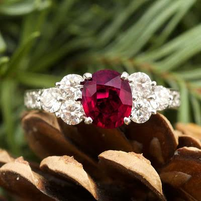 Graceful Ruby Ring Jewel