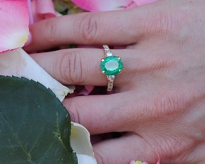 Beautiful Bluish Green Rare Emerald set in yellow gold